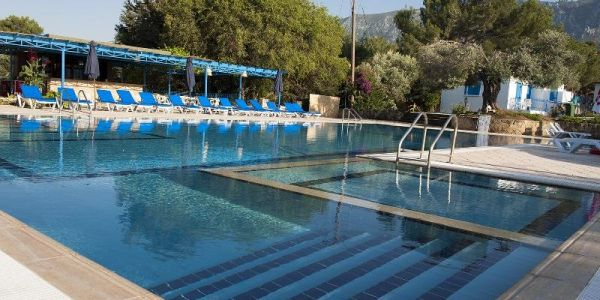 Santoria-Holiday-Village-North-Cyprus-Pool-area-at-the-Santoria-Holiday-Village-MJe0ks.jpg